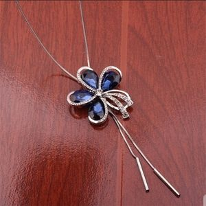 Flower sweater necklace